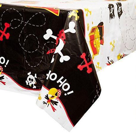 la nappe avec imprimé pirate pour l'anniversaire de votre garçon