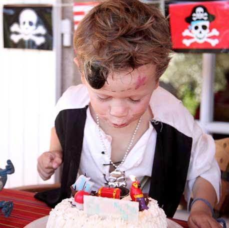Le thème pirate pour la fête d'anniversaire de votre garçon