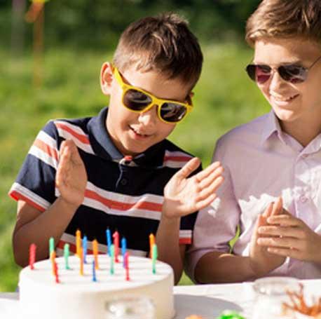 Anniversaire garçon bougies gâteaux décoration