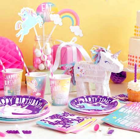 Tendance, la licorne est le thème d'anniversaire coup de coeur des petites filles