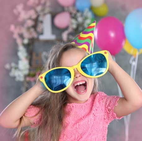 Article de fête fun et décalé, les lunettes géantes pour un déguisement reussi