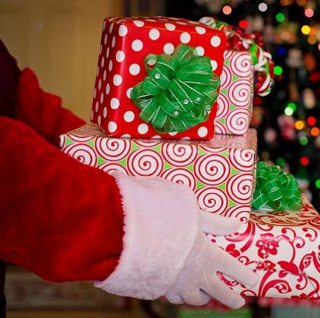 Déguisement ou costume père noel pour les cadeaux des enfants